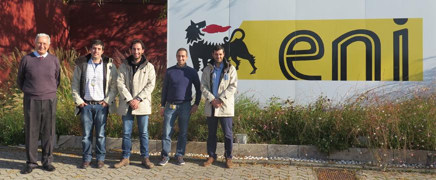 Vencedores dos prémios eni nos laboratórios da marca em Milão