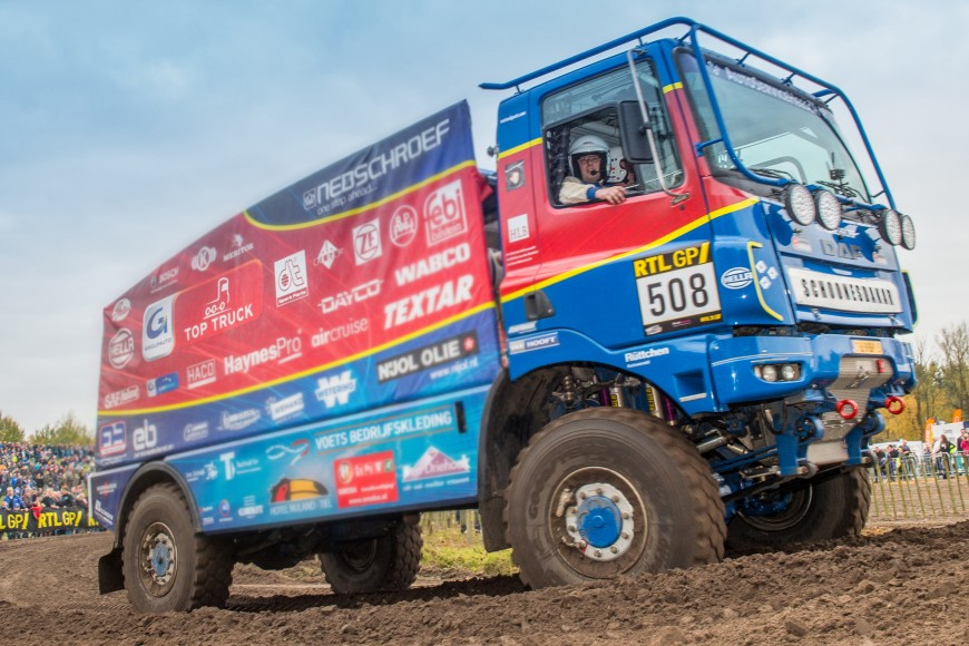 A few impressions from Valkenswaard where the dutch Dakar Rallye Teams had a chance to presenet themselves ahead of the start of the 2016 edition of the most famous rally.