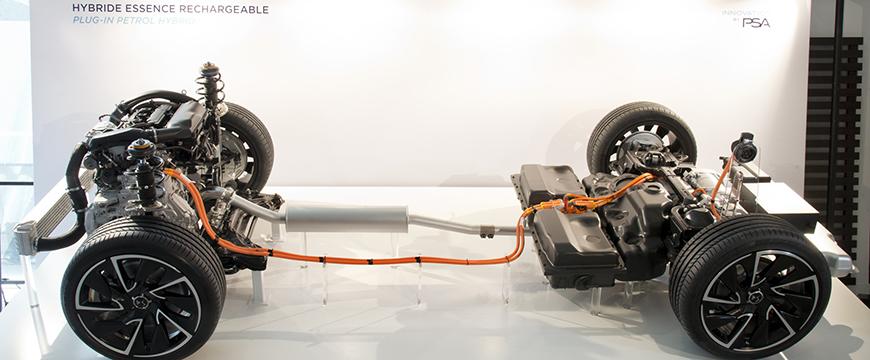 Híbridos e elétricos PSA