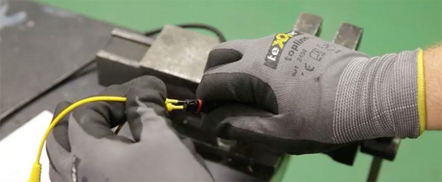 Ensaio do sensor de temperatura dos gases de escape com multímetro (com vídeo)