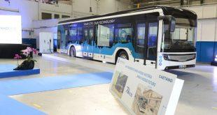 Comissão Europeia quer mais autocarros e camiões elétricos