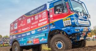 DT SPare Parts atravessa o deserto no Dakar