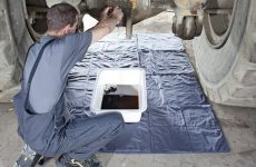 MEWA MULTITEX absorve lubrificantes de forma limpa e segura
