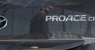 Toyota estreia novo furgão compacto PROACE CITY