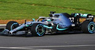 Mercedes F1 com novas Petronas cores da Axalta