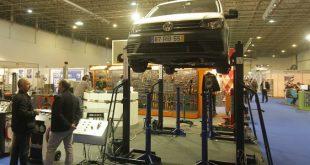 Hélder Máquinas apresentou elevador de 4 colunas móveis Autolift