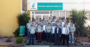 Petronas levou clientes da Socidade Comercial C.Santos à fábrica a Barcelona