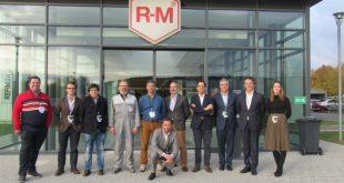 R-M leva clientes portugueses ao moderno centro de formação em Paris