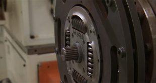 Como é produzido um volante bimassa (com vídeo)